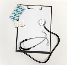 Free Medical Clipboard, Stethoscope And Pills Stock Photography - 8377422