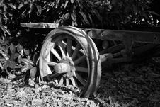 Free Old Trailer Wheel Royalty Free Stock Photography - 8378717