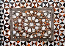 Free Detail Of Ornate Inlaid White Marble Of The Mughal Royalty Free Stock Images - 8379589
