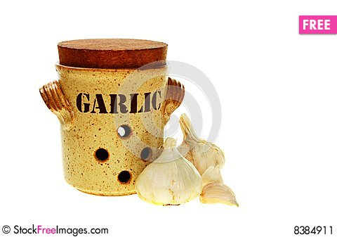 Free Garlic And Pot Stock Image - 8384911