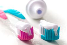 Free Toothpaste And Toothbrushes Stock Photography - 8383302