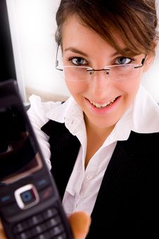 Free Smiling Businesswoman Showing Her Cellphone Royalty Free Stock Photography - 8384397