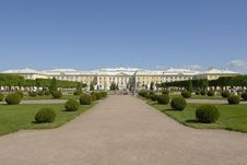Free Gardens And Palace Royalty Free Stock Photography - 8385927