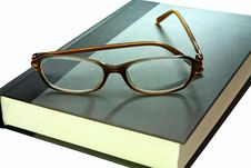 Free Book And Eyglasses-close Up Stock Photography - 8387702