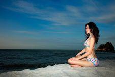 Free Sensual Young Woman Royalty Free Stock Photos - 8393018