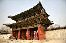 Free Buddhist Temple Gate Royalty Free Stock Photos - 8395868