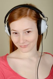 Free Woman In Headphones Royalty Free Stock Images - 8399919