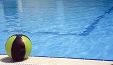 Free Pool And Ball Royalty Free Stock Photo - 843385