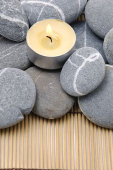 Free Stones And Candle Stock Photo - 8401690