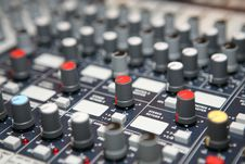 Free Sound  Knobs Royalty Free Stock Image - 8403516