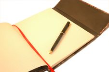 Free Notebook And Pen Royalty Free Stock Photography - 8405777