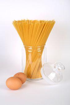 Free Spaghetti And Eggs Royalty Free Stock Photo - 8408095