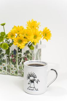 Free Cup Of Coffee With Decorative Flowers Stock Photos - 8409663