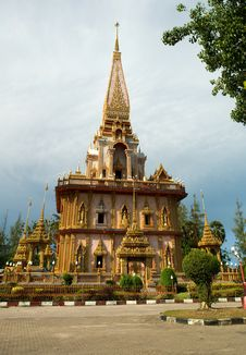 Free Wat Chalong Temple Midday View Stock Images - 8412254