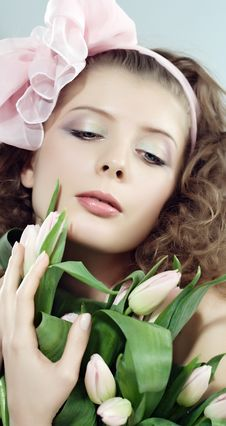 Free Woman Beautiful Pink Flowers Royalty Free Stock Photos - 8412488