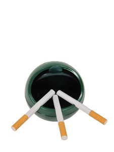 Free 3 Cigarettes In Ashtray Royalty Free Stock Photography - 8412777