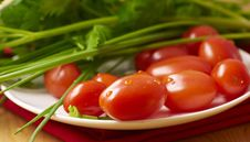 Free Fresh Tomatoes And Chive Stock Photos - 8413343