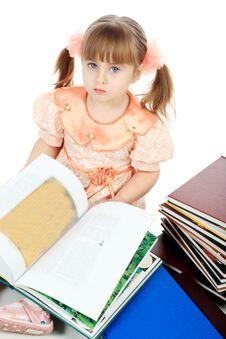 Free Reading Girl Stock Photos - 8413813
