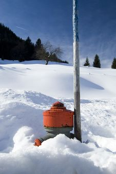 Free Hydrant In The Snow Stock Photography - 8414082