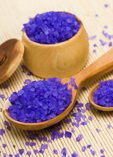 Free Bath Salt In A Spoon Royalty Free Stock Photography - 8415007