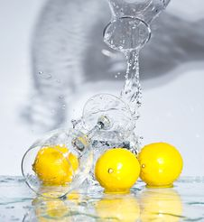 Free Lemon With Water Stock Photography - 8417362