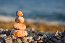 Free Balanced Stones On Sea Stock Photos - 8417603
