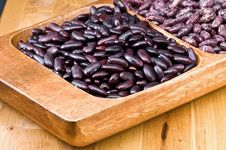 Free Kidney Beans In Wooden Dish Royalty Free Stock Photos - 8418718