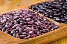 Free Kidney Beans In Wooden Dish Stock Photography - 8418802