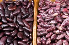 Free Kidney Beans In Wooden Dish Stock Photography - 8418862