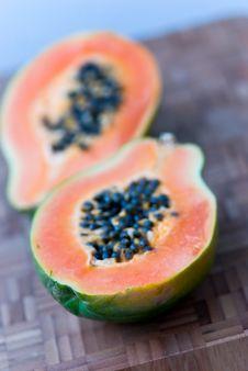 Free Papaya Half With Seeds On The Cutting Board Stock Photos - 8419993