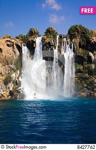Free Beautiful Waterfall Stock Photography - 8427762