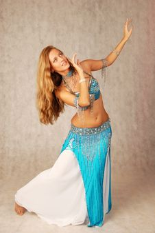 Free Bellydancer Royalty Free Stock Images - 8422639