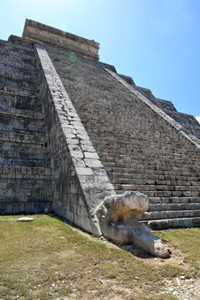 Free The Temples Of Chichen Itza Temple In Mexico Stock Image - 8424951