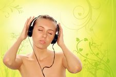 Free Happiness Young Women In Headphones Royalty Free Stock Images - 8430069