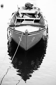 Free Traditional Fishing Boat Royalty Free Stock Image - 8436756