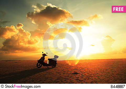 Free Sunrise Royalty Free Stock Photography - 8448887