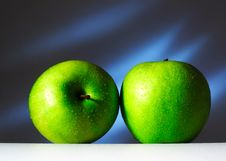 Free Two Green Apples Royalty Free Stock Photos - 8440388