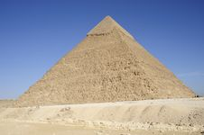 Free The Great Pyramid Of Chephren At Giza Royalty Free Stock Photos - 8443708