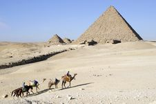 Free The Great Pyramid Of Menkaure At Giza Royalty Free Stock Images - 8443719