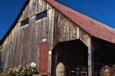 Free Winery Barn Stock Photography - 8444802