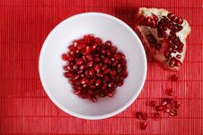 Free Red Seeds And White Bowl Royalty Free Stock Photo - 8445985