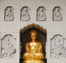 Free Buddha Royalty Free Stock Photo - 8452135