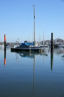 Free Yacht Reflections 3 Stock Photography - 8453152