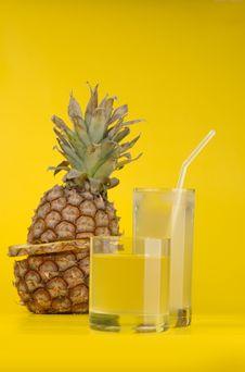 Free Pineapple Royalty Free Stock Photo - 8453615