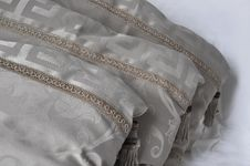 Free Beige Pillows Royalty Free Stock Photography - 8457217