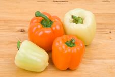 Free Capsicum Green And Orange Stock Image - 8458681