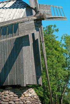 Free Old Windmill In Hiiumaa Royalty Free Stock Photos - 8458698