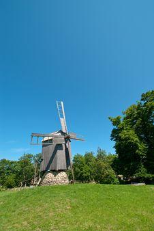 Free Old Windmill In Hiiumaa Royalty Free Stock Photos - 8459078