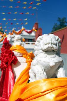 Chinese Guardian Lions In Front Of The Temple Stock Images