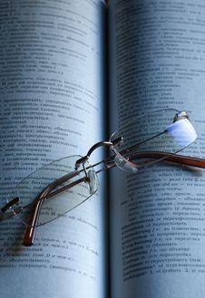 Free Reading Glasses Stock Image - 8460751